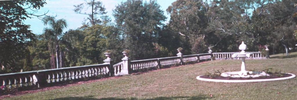 yaralla-mansion-four-winds-fountain